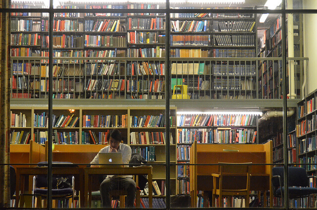 楽天が電子図書館事業に進出!電子書籍は無料? OverDrive社買収と一般読者の関係